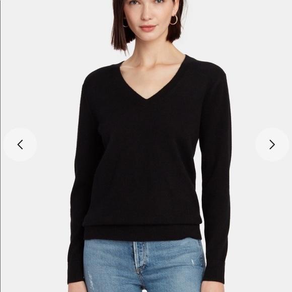 Banana Republic Sweaters - Banana Republic Silk & Cashmere V-neck Sweater S